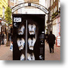 2009s Most Fashionable Vending Machines: Shoe Dispensing Hits UK Streets &amp; Nightclubs